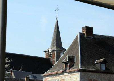 Hotel-des-Verriers-eglise-en-fond